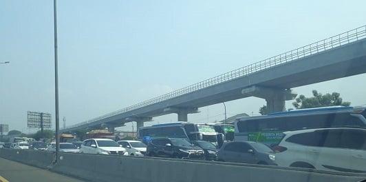 Beda MRT KRL dan LRT kok melayang
